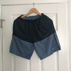 Running shorts with liner